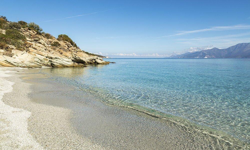 Cuida tu piel en los primeros días de playa